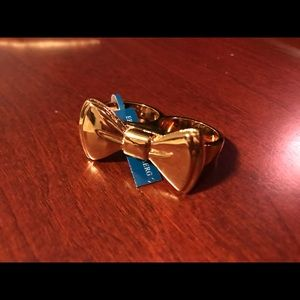 Jewelry - Erica Anenberg Bow Ring 8/9 (2 Finger)